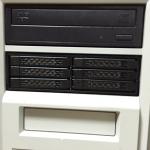 5インチベイに2.5インチディスクを6台搭載出来る「MB996SP-6SB」で記憶域プールを物理環境で試してみる